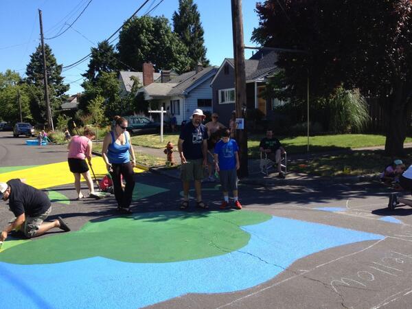 Tweet: Painters are sticking to the shade. #nopo #arborlo…